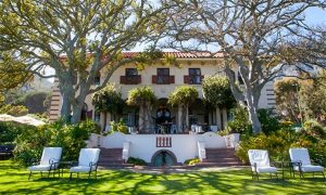 https://www.google.com/url?sa=i&url=https%3A%2F%2Fwww.hyperli.com%2Fproducts%2Fcape_town-1_night_stay_for_two_at_camps_bay_retreat_luxury_boutique_hotel&psig=AOvVaw2Zv9ykaWDGYbOFuXBVX5IO&ust=1582866130219000&source=images&cd=vfe&ved=0CAIQjRxqFwoTCNim14P68OcCFQAAAAAdAAAAABAD